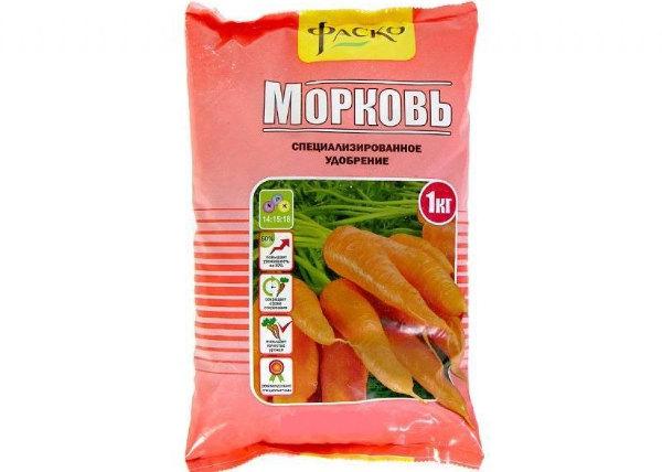 Подкормка моркови комплексными удобрениями